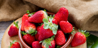 benefits of strawberry as baby food