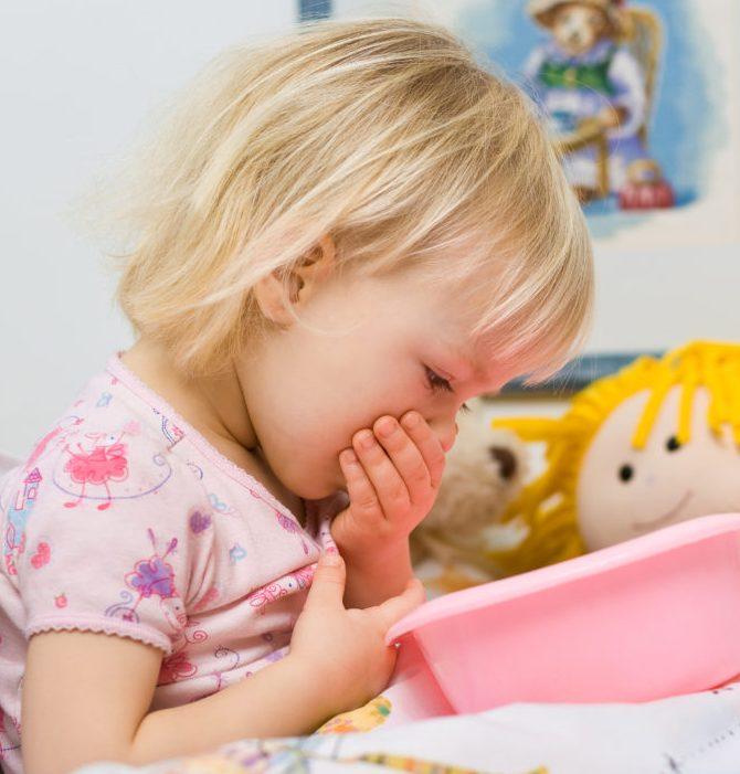 children vomiting, causes children vomiting, food poisoning, food allergies