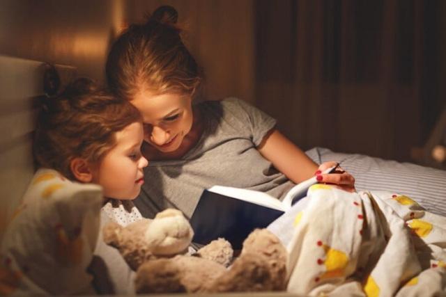 reading bedtime stories for children