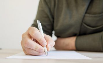 writing by hand benefits